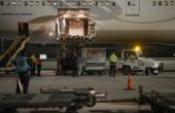 6,5 milyon doz aşıyı taşıyan uçak geldi