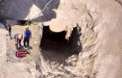 Defineciler kazdıkları kuyuda metan gazından zehirlendi; 2 ölü