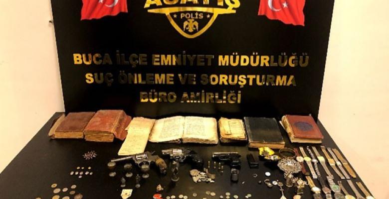 Tarihi eser kaçakçıları polise takıldı