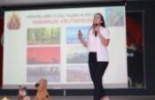 Alanur Bakır, öğrencilere hayvan sevgisini anlattı