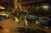 Park halindeki otomobillere çarptı