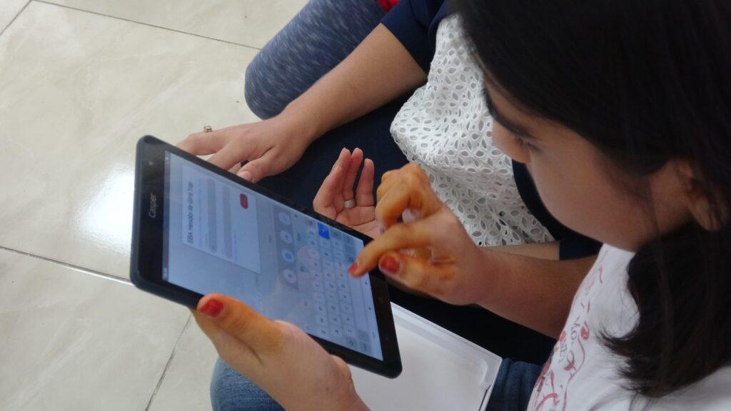 Öğrencilere tablet kampanyası başlattı