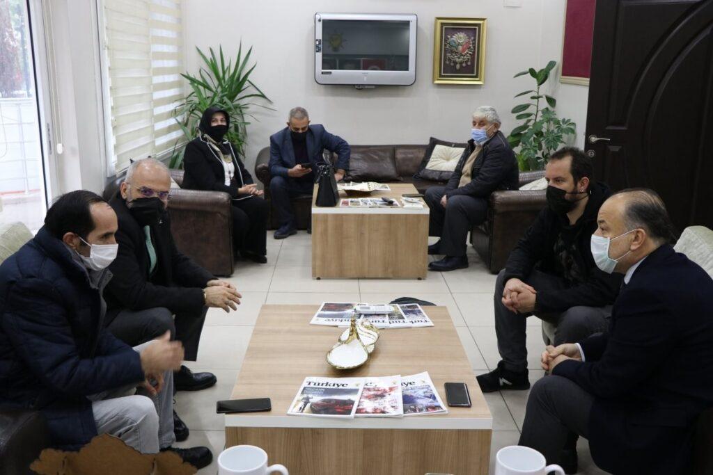 Milletvekili Yavuz, gazetecileri unutmadı