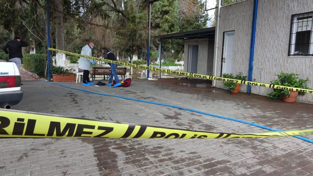 Nişanlısından ayrılan genç kız mezarlıkta intihar etti