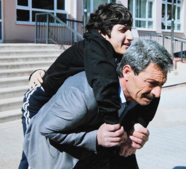 Kazada ölen kızı için 20 yıldır hukuk mücadelesi veriyor