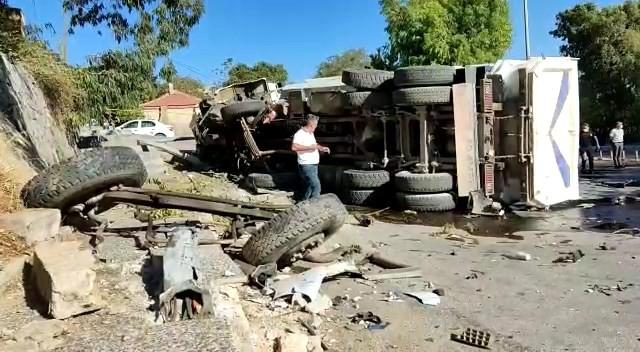 Mıcır yüklü kamyon ticari araçla çarpıştı: 1 ölü 1 yaralı