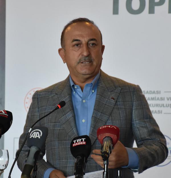 Bakanı Çavuşoğlu, Eefeler diyarında konuştu